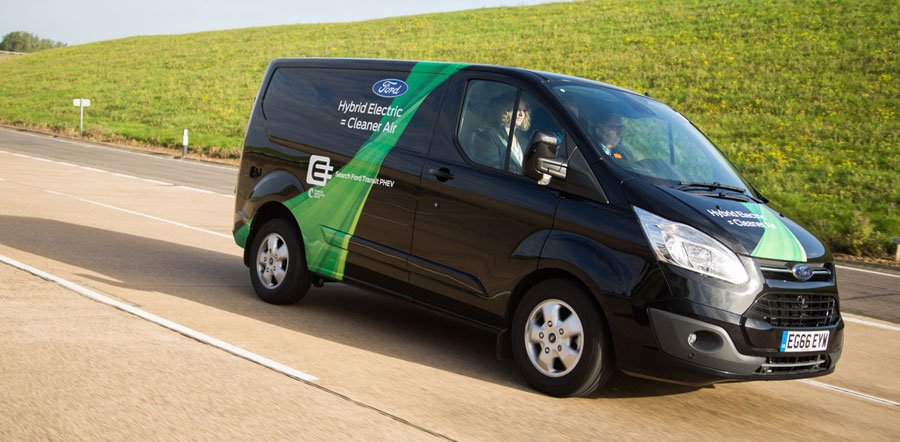Los tests de la Ford Transit enchufable llegan a Valencia